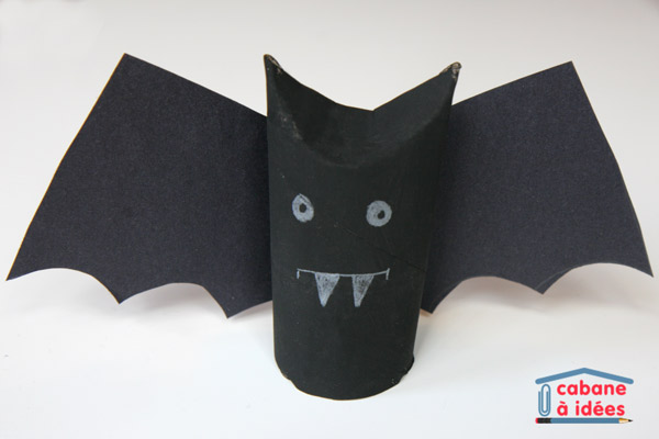 diy une chauve souris pour halloween cabane id es. Black Bedroom Furniture Sets. Home Design Ideas