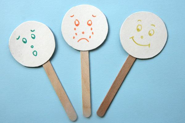 marionnettes-expressives-batonnets-glace-2