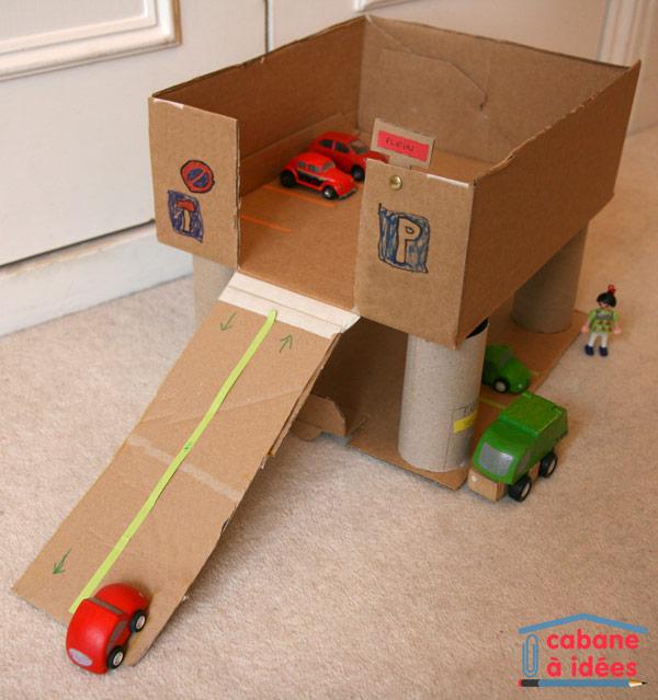Notre garage en carton cabane id es for Faire un plan de garage