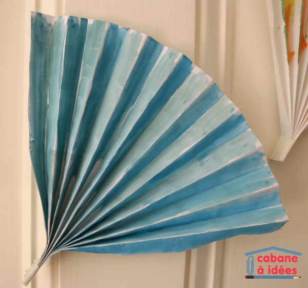peinture-eventail-bleu
