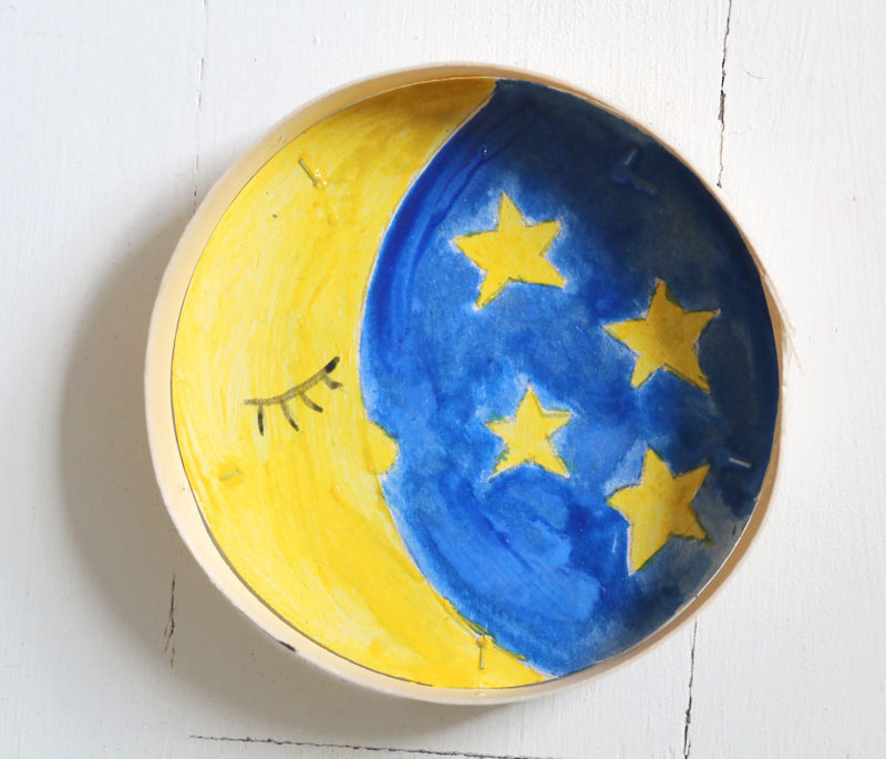 peinture lune dans boite ronde